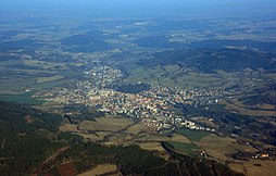 Letecký pohled na město Sušice od jihozápadu.