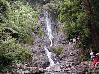 Kokuraminami-ku, Kitakyūshū - Sugao no taki waterfall is cool in midsummer