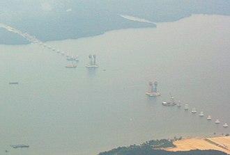 Sungai Johor Bridge - Image: Sungai Johor Bridge construction 2007 10 03