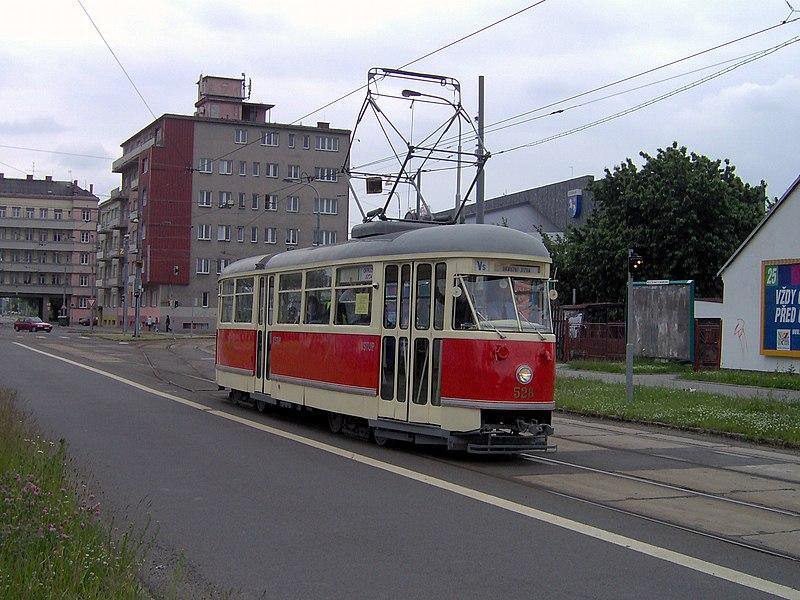 ...旅客服务.   的夜班车都有自己独立的轨道,这样可以保证旅客... (35)