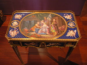 Martin Carlin - Small table with Sèvres plaques, by Carlin, 1772 (Museu Calouste Gulbenkian, Lisbon)