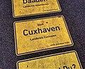Tag der Deutschen Einheit Ortsschild Cuxhaven.jpg