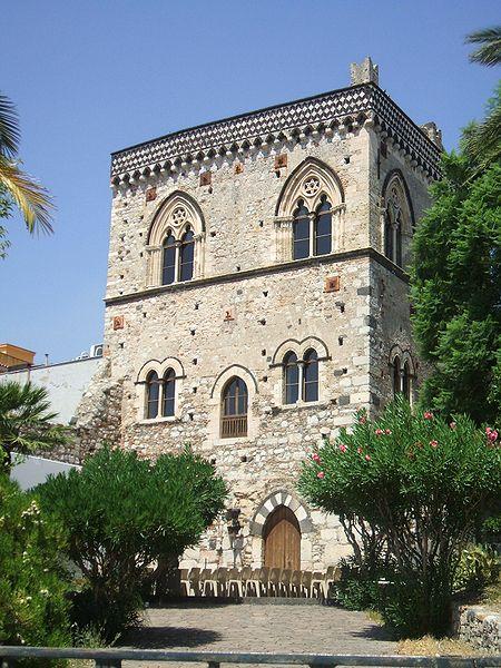 Fichier:Taormina Palazzo Duchi San Stefano 01.jpg