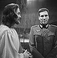 Televisiespel Wonder aan de Donau revue KRO, Frans Oorstman en Tom van Beek, Bestanddeelnr 915-9966.jpg