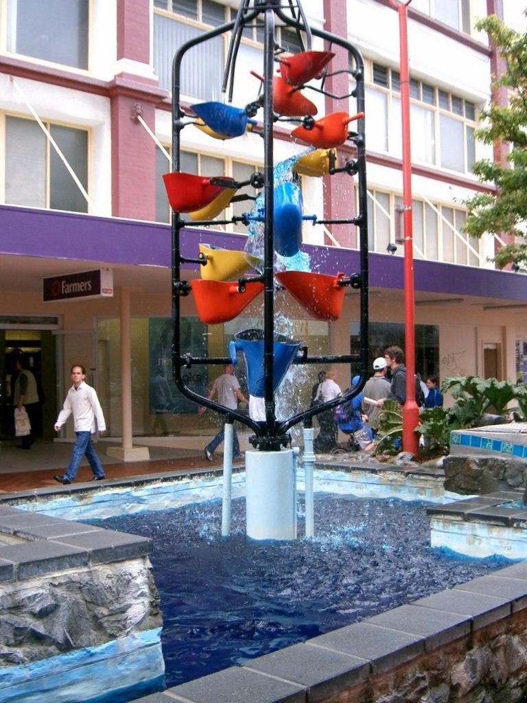 The Bucket Fountain, Wellington