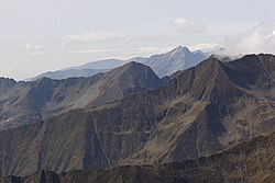 The Fagaras Mountains from the ridge of Moldoveanu.jpg