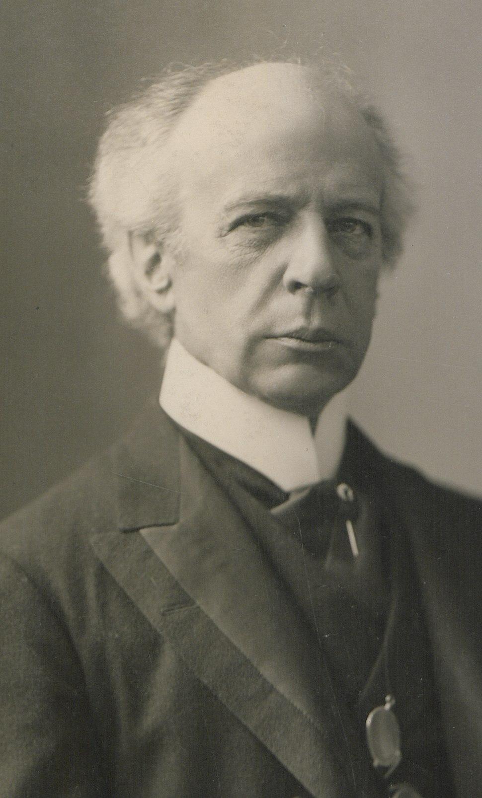 The Honourable Sir Wilfrid Laurier Photo A (HS85-10-16871) - tight crop