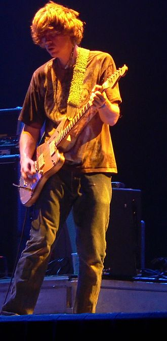 Thurston Moore performing with Sonic Youth at the 2005 Roskilde Festival. Thurstonmoore.JPG