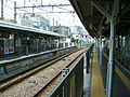 Tokyu-ikegami-line-Togoshi-ginza-station-platform.jpg