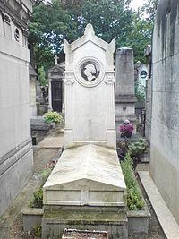 Tombe de Louis Clapisson,cimetière de Montmartre, 28e division.JPG
