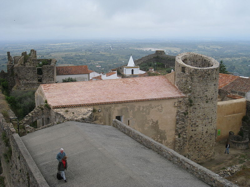 Image:Top of the castle Castelo de Vide.jpg