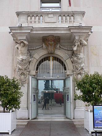 Pierre Puget - Image: Toulon caryatides p 1040272