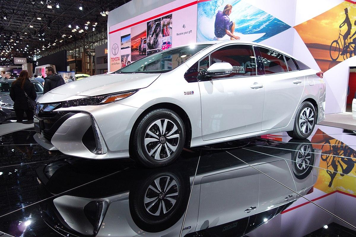 Toyota Prius Phv Википедия