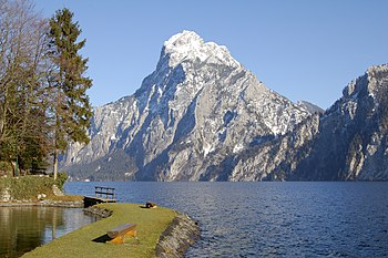 English: Traunstein Mountain seen from Traunki...