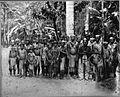 Tropenmuseum Royal Tropical Institute Objectnumber 60012330 Portret van een groep feestelijk uitg.jpg