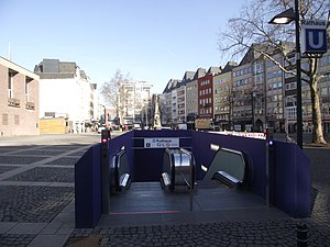 Rathaus (KVB) - One of the station's entrances on Alter Markt