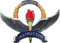 Badge d'instructeur de formation de maître de l'USAF-Historical.png