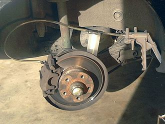 Brake bleeding - Vacuum bleeding a disk brake caliper
