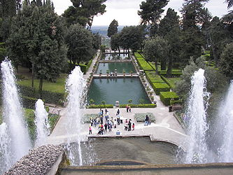 Villa d'Este fountain and pools.jpg