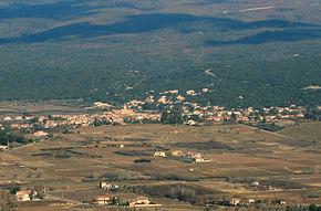 Villes-sur-Auzon depuis Blauvac by JM Rosier.jpg