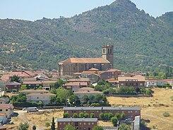 La sierra de Guadarrama. 245px-Vista_de_Robledo_de_Chavela_con_la_iglesia_de_la_Asunci%C3%B3n