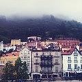 Vista para o Palácio da Pena (num dia de nevoeiro).jpg