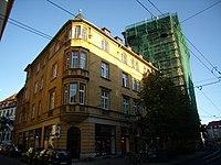 Würzburg - Augustinerstraße 7 daneben eingerüstet Nr 9.jpg