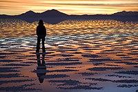 Watching Sunset Salar de Uyuni Bolivia Luca Galuzzi 2006.jpg
