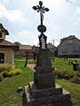 Wayside cross in Hroznatín, Třebíč District.JPG