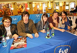 We Are the In Crowd - Image: We Are The In Crowd FYE Signing