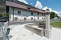Wiki takes Nordtiroler Oberland 20150605 Bankbrunnen Haiming 6808.jpg