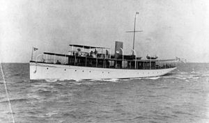 USS Ranger (SP-237) - Ranger as a civilian yacht sometime between 1910 and 1916, prior to her U.S. Navy service.