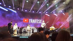 YouTube FanFest Korea 2015 in Sinhyeonhuiwagimnuteu 2.jpg