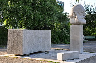 Enge (Zürich) - Gottfried Keller memorial at Enge harbour