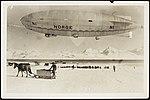 """""""Norge"""" over Ny-Ålesund ved avreisen mot Nordpolen, 11. mai 1926 (8887659014).jpg"""