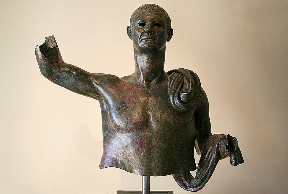 0 Statue virile - Museo Gregoriano Etrusco