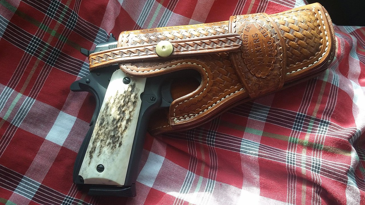 Handgun holster - Wikiwand