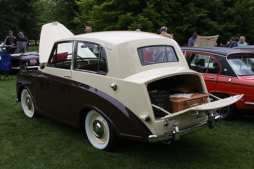 1950TriumphMayflower-rear