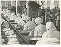 "1980 г. Цех по производству респираторов ШБ-1 ""Лепесток"".jpg"