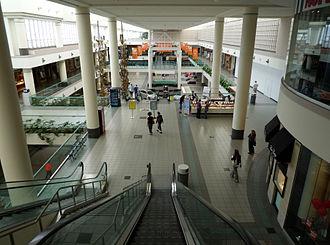 Southdale Center - Image: 2009 0611 004 Southdale