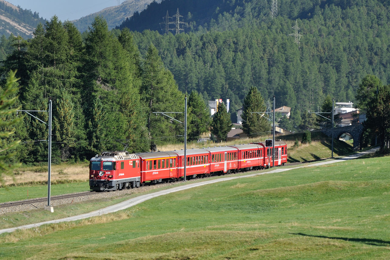 Lanzadera entre Samedan y Ospizio Bernina