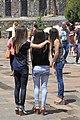 2014 Prowincja Kotajk, Ormiańskie dziewczyny przed klasztorem Geghard (01).jpg