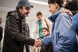 Hamdi Ulukaya - Hamdi Ulukaya meeting refugees