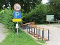 2017-07-22 (03) Car parks and fingerposts to Dürrenstein near Töpperbrücke in Lunz am See.jpg