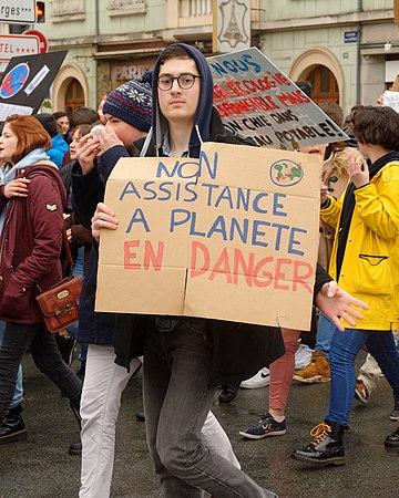 2019-03-15 15-11-34 manif-climat-etudiants-belfort.jpg