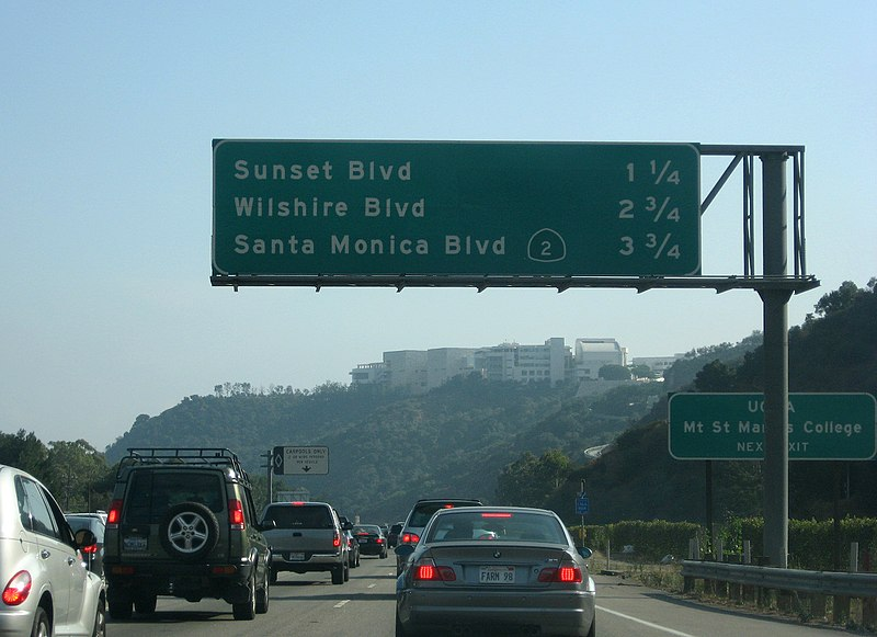 File:405 southbound near Getty Museum.jpg