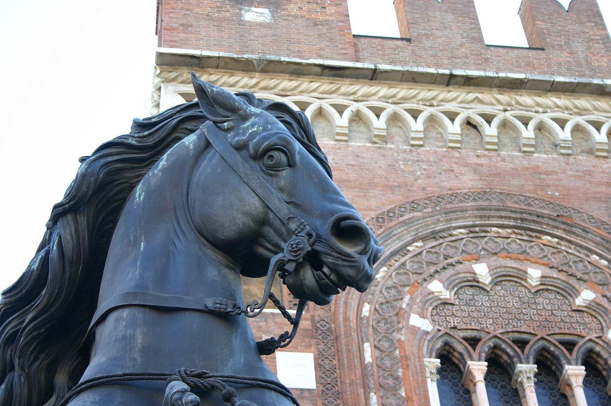 225 45 15 >> Piacenza - Wikivoyage, guida turistica di viaggio