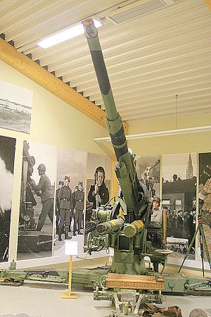 Bombing of Helsinki in World War II - An 88 mm AA-gun at the Finnish anti-aircraft museum