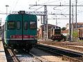 ALn 668 1204 e D245, Stazione di Rovigo, binario 5 e deposito.jpg