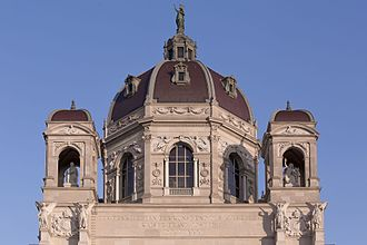 AT 13763 Exterior of the Kunsthistorisches Museum, Vienna-2397.jpg